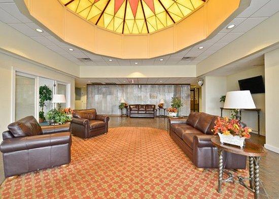 Ogallala, NE: lobby