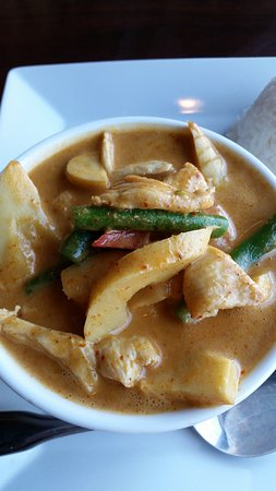 Roseville, CA: Thai red curry with Chicken -- lunch portion.