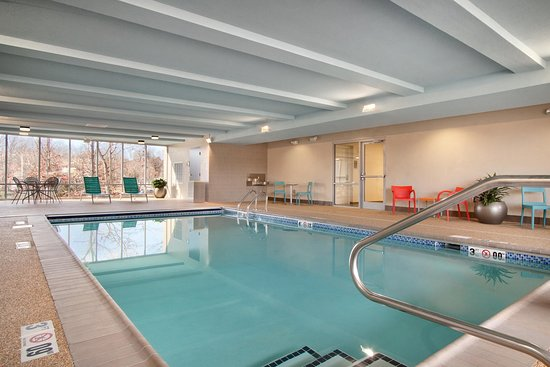 Lexington Park, MD: Indoor Pool