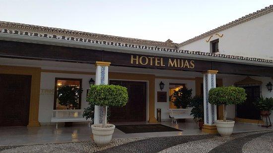 TRH Mijas: Vista de la fachada.