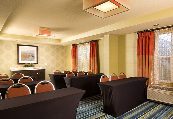 Fairfield Inn & Suites Orlando Lake Buena Vista: Meeting Space