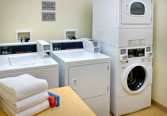 Watertown, NY: Guest Laundry Facility