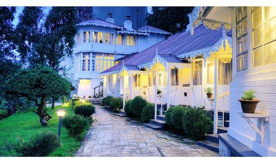 Summit Swiss Heritage Hotel & Spa: Exterior