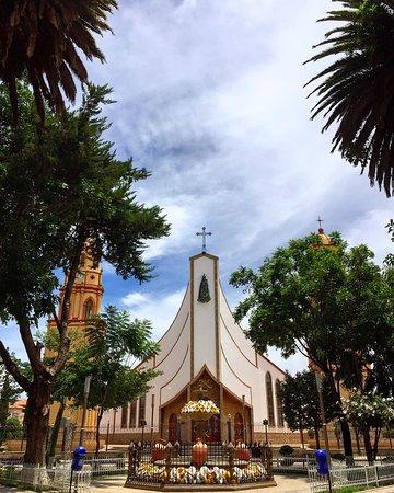 Catedral San Pedro de Aiquile.