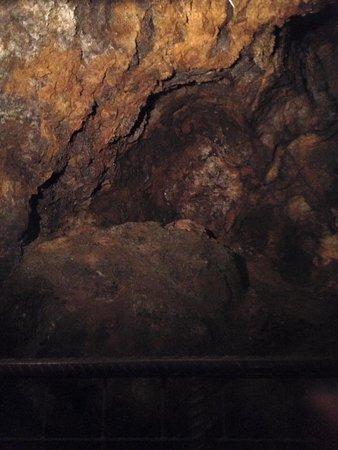 Campiglia Marittima, Itália: Cunicoli fatti dai minatori