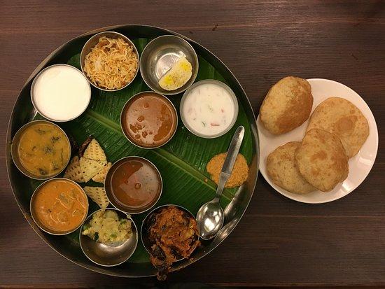 Hotel Taj Mahal Restaurant Veg Thali