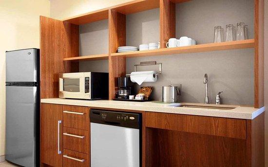 Home2 Suites Dallas-Frisco Kitchen