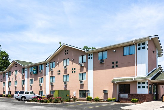 Quality Inn Newport News: Exterior
