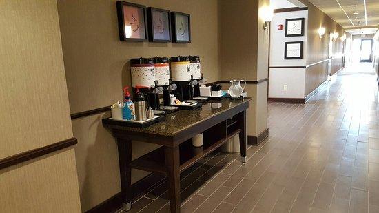 Hampton Inn & Suites Mansfield : 20160703_073501_large.jpg