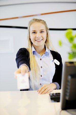 Санднес, Норвегия: Staff