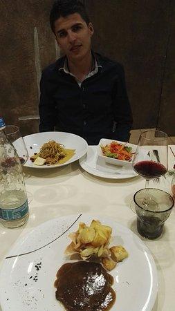 Cherasco, إيطاليا: IMG_20160825_213428_large.jpg
