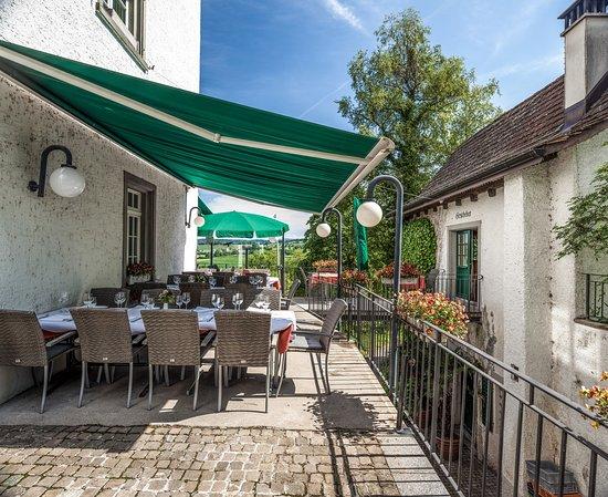 Grüningen, สวิตเซอร์แลนด์: Wunderschöne Terrasse mit weitblick