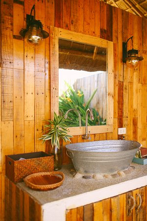 Talisay City, Filippinerna: Outdoor toilet and bath