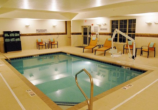 New Albany, OH: Indoor Pool
