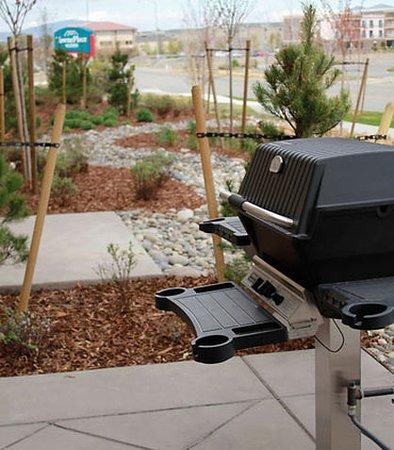Richland, WA: BBQ Grill Area