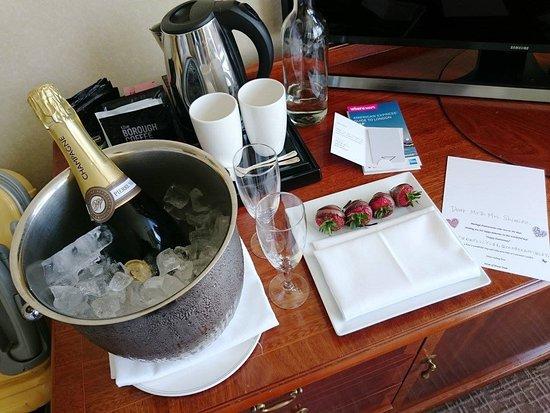 โรงแรมแลนคาสเตอร์ ลอนดอน: サプライズなプレゼントをしていただきました