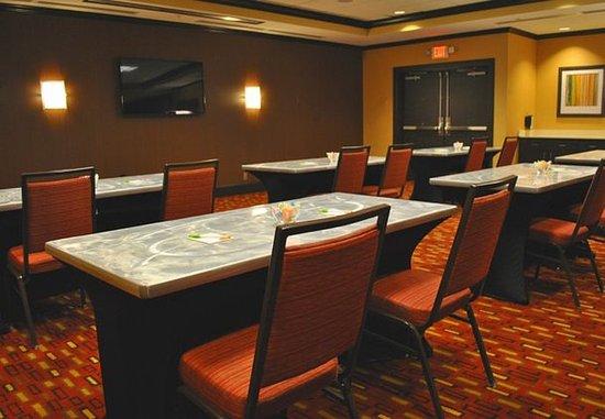 Evansville, IN: Acorn Meeting Room – Classroom Setup