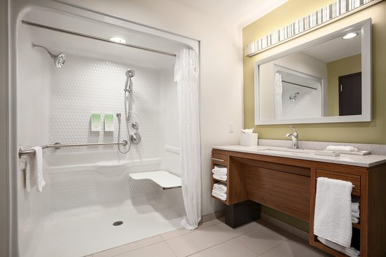 Rahway, NJ: Accessible Bathroom - Roll In Shower