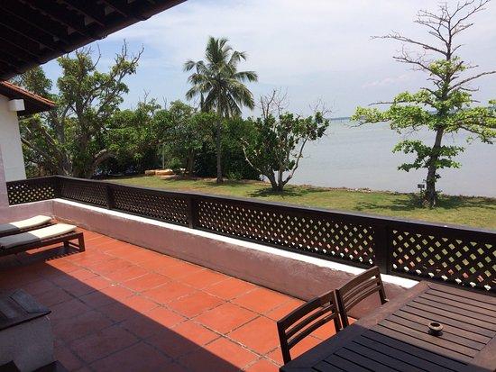 Jetwing Lagoon: The balcony and view of our suite