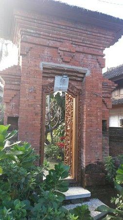 Puri Lumbung Cottages: 20160818_164632_large.jpg