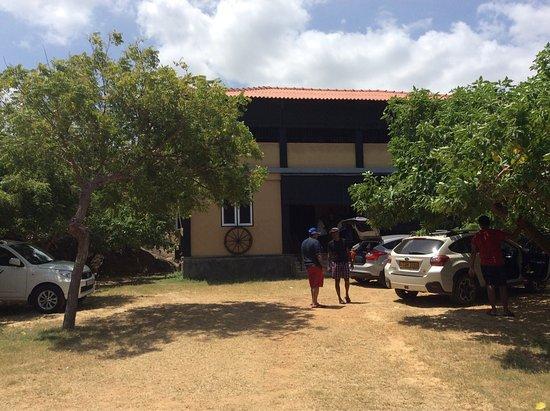 Friends vacation to boulders bungalow Yala/kirinda