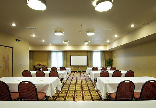 Gainesville, GA: Meeting Room – Classroom Setup