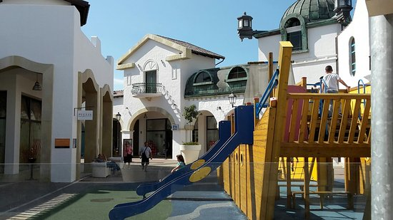 ‪Puglia Outlet Village‬