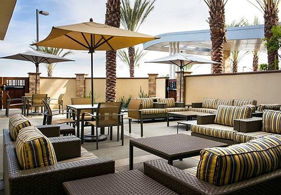 Tustin, Kaliforniya: Outdoor Patio