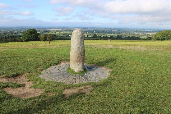 County Meath, Irland: камень судьбы в центре холма Тары