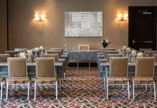 Needham, MA: Meeting Room- Classroom Setup