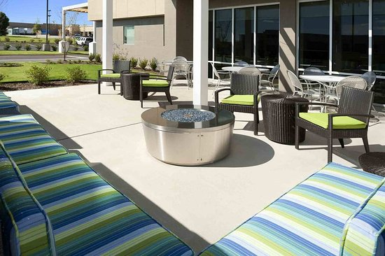 Southaven, MS: Outdoor Lounge and Firepits