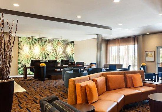 North Little Rock, AR: Lobby - Sitting Area