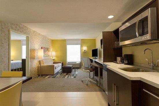 South Jordan, UT: King Bedroom Suite