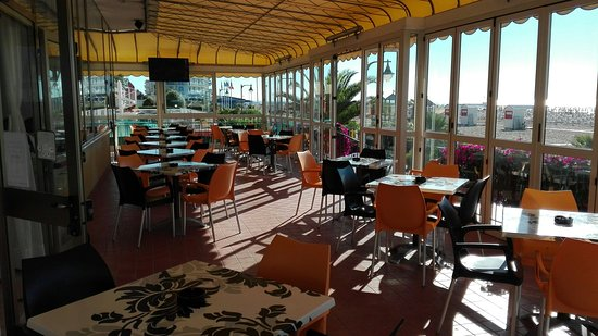 Hotel Touring : Bar/Terrasse