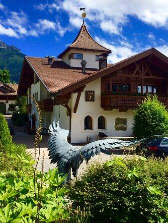 Nesselwaengle, Austria: Adler bei Sunneschlössli Einfahrt