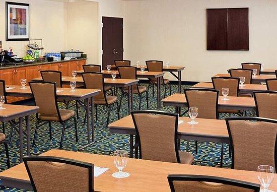 Midland, MI: Superior Room