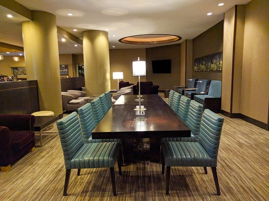 East Rutherford, NJ: Starbucks Tech Lounge at Hilton Meadowlands