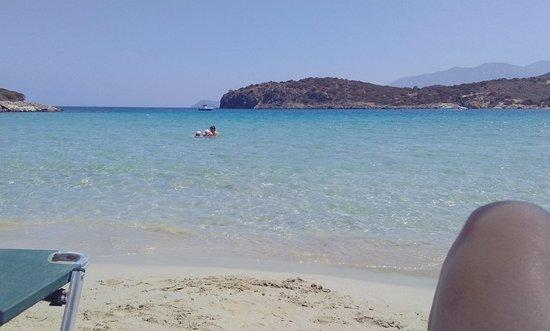 Истрон, Греция: Γαλαζοπράσινα νερά