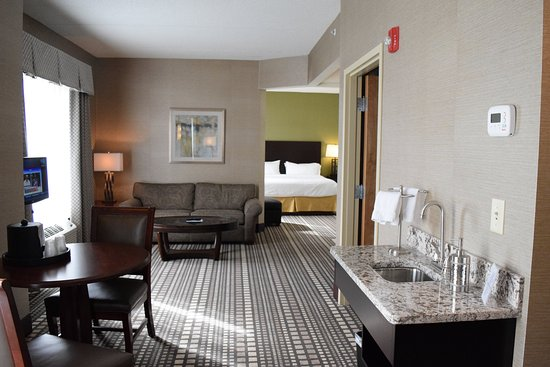 Geneva, NY: This Jacuzzi Suite is truly one of a kind! Please book today!