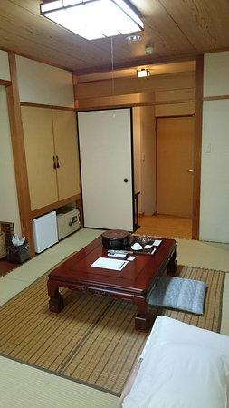 Miyakonojo, اليابان: 旬の料理とお湯の宿 常盤荘