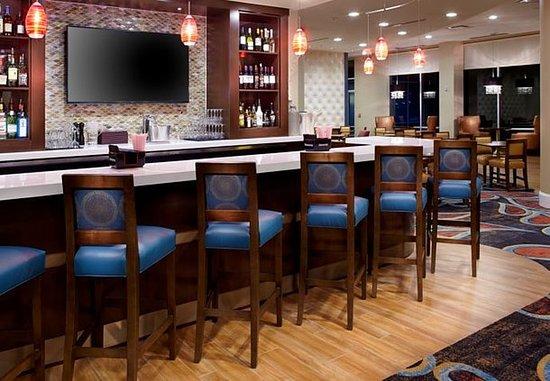 Секаукус, Нью-Джерси: Lobby Lounge