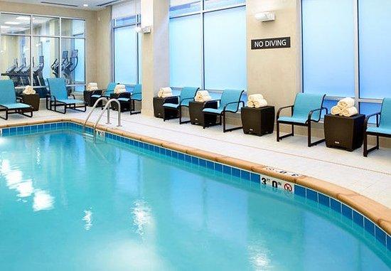 Секаукус, Нью-Джерси: Indoor Pool