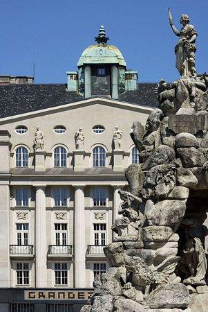 Hotel Grandezza: exterior