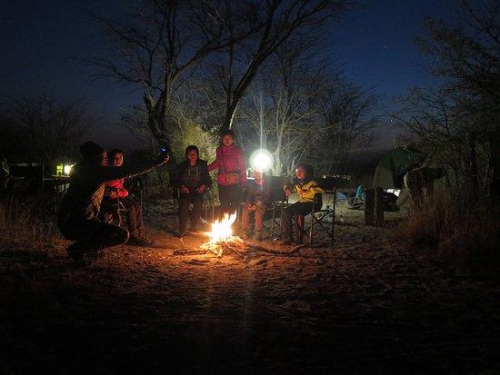 Maun, Botswana: Camp fire in Makgadikgadi Pans