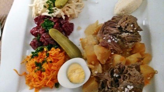 Hostellerie a la Ville de Lyon : Boiled Beef in Salt Crust Alsatian Style