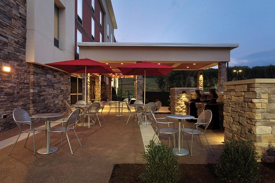 Cranberry Township, PA: Patio and Grill