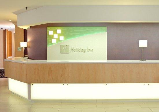 Holiday Inn Wilkes Barre East Mountain: Hotel Lobby