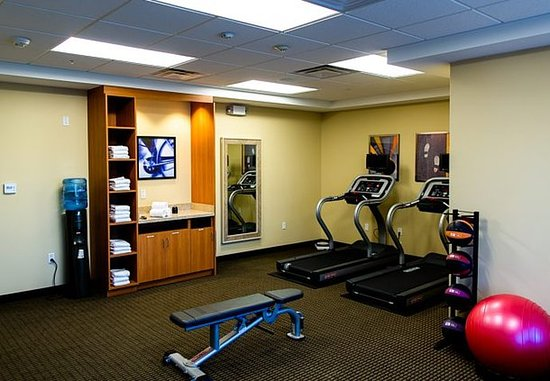 Lancaster, CA: Fitness Center