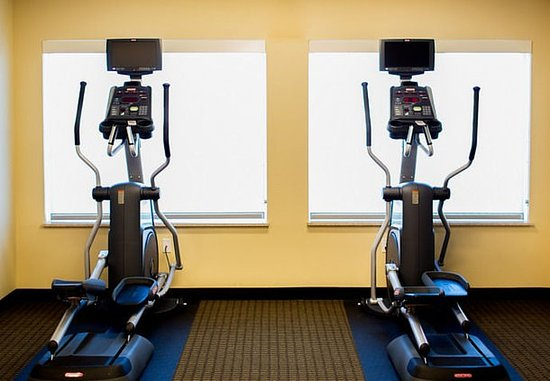 Lancaster, CA: Fitness Center – Cardio