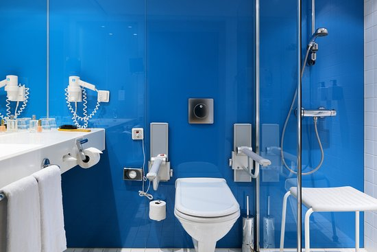 Alvsjo, Suède : Room Disabled Bathroom